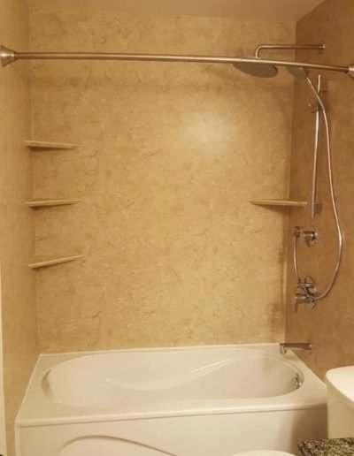 Tub_Replacement_with_Acrylic_Walls_Winnipeg_Rocketrooter_Bathroomexperts_02