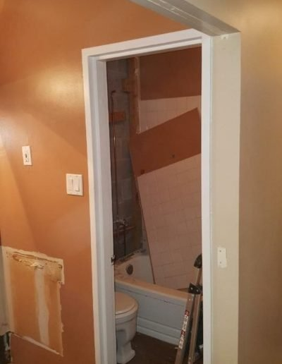 Tub_to_Shower_Conversation_Winnipeg_Rocketrooter_Bathroomexperts_02